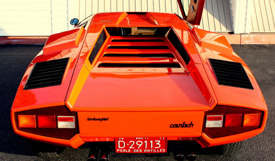 Lamborghini Countach LP400 Silvera -- Rear