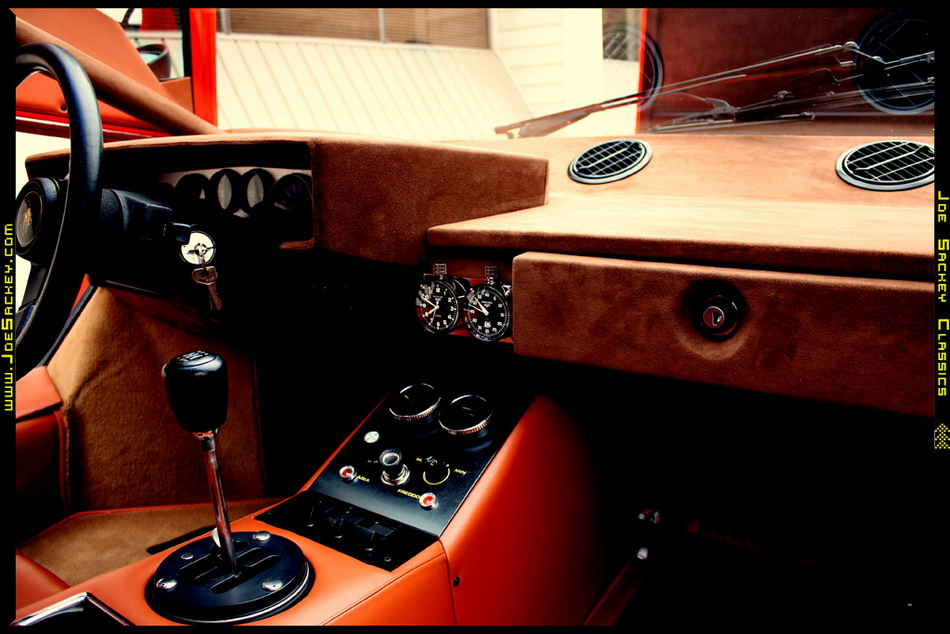 Lamborghini Countach LP400 Silvera -- Dashboard Right