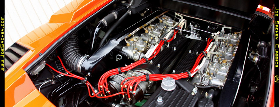 Lamborghini Countach LP400 Silvera -- Engine