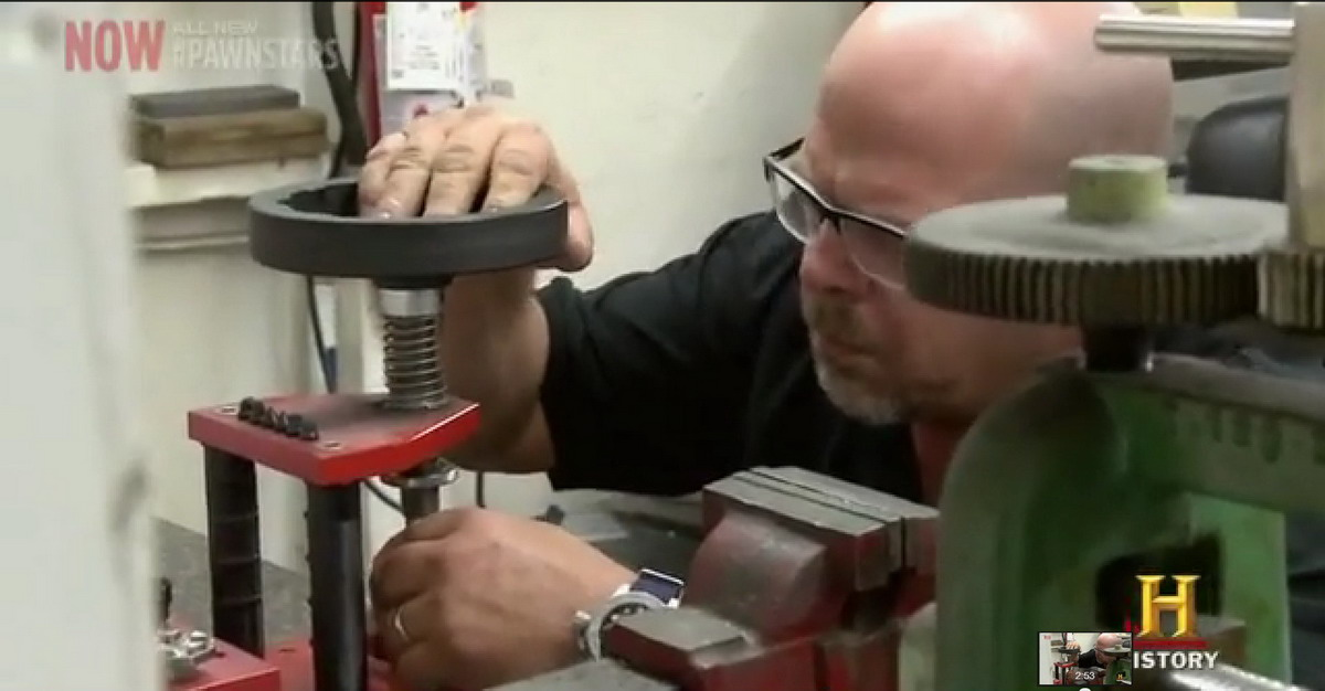 Pawn Stars Autavia -- Using the Case-Opener
