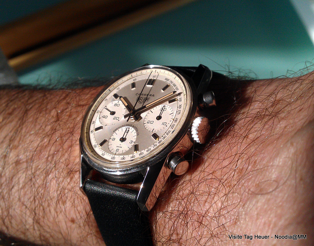 Wrist Shot -- Carrera 2447 T